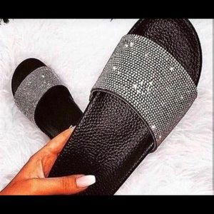 Women's Diamond fashion slippers various sizes